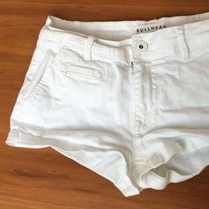 🐮BULLHEAD White  Low Rise Short Denim Shorts w26